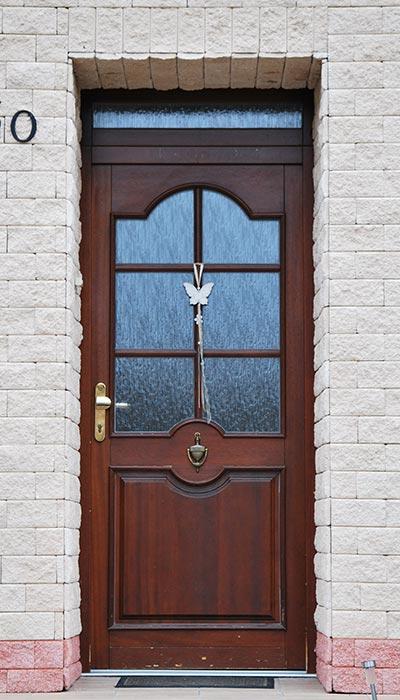 Zakázková výroba interiérových a vchodových dveří z kvalitních materiálů