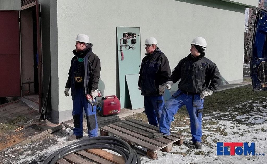 Položení obrubníků, kladení betonových dlaždic, zámkové dlažby a další zemní práce