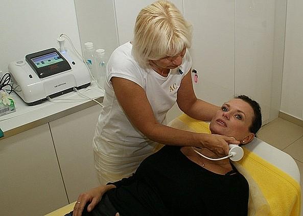 Odstranění tuku, celulitidy, ochablé kůže, vrásek, vypnutí kůže, Aurum Clinic, s.r.o., Praha