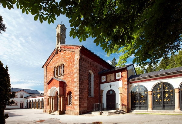 Pohotovostní pohřební služba, civilní i církevní obřady