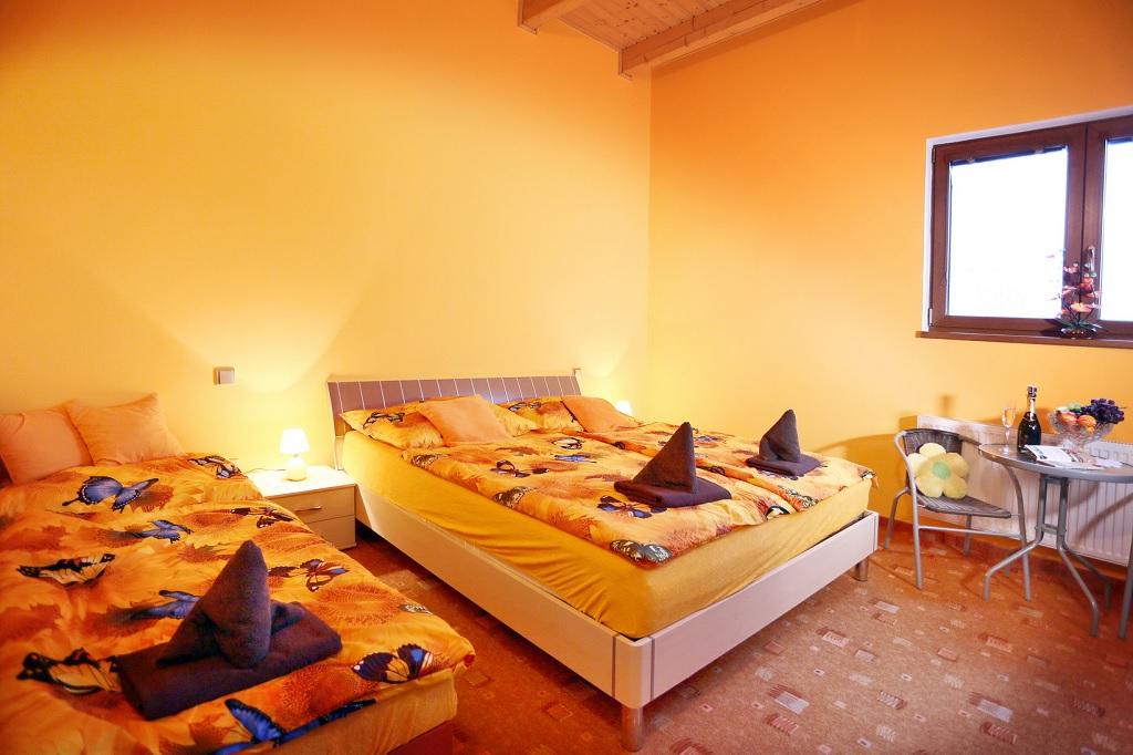 Ubytování u Karlových Varů - Penzion SUNSET