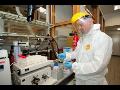 Ochranné pracovní oděvy odolné vůči chemikáliím a škodlivým látkám