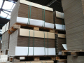 Lepenkové krabice s klopami na míru - transportní obaly pro bezpečnou přepravu zboží