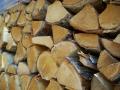 Palivové dřevo tvrdé i měkké, štěpkování biomasy, prodej štípaného dříví a biomasy