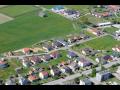 Obec Slapy s výstavbou v blízkosti historického města Tábor, turistika v jižních Čechách