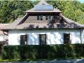 Temperování a přitápění místností s teplovzdušnými solárními panely pro příjemný domov
