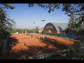 Pron�jem tenisov�ch dvorc�, tenisov� �kola, badbinton Prost�jov