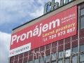 Výroba PVC bannerů a plachet z PVC materiálů Praha – velkoplošný tisk a finální úprava