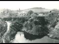 Obec Vápenný Podol, centrum turistického ruchu na úpatí Železných hor nedaleko Chrudimi
