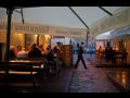 Posezení ve stylové restauraci poblíž Pražského hradu, prohlídka ...