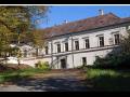 Vyhlášená kulturní památka, kostel nejsvětější trojice i Strachwitzův zámek v obci Zdounky