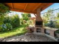 Ubytování v malebné zahradě s venkovním posezením, Třeboň