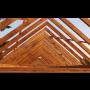 Impregnace dřeva – účinná ochrana střešních krovů před škůdci