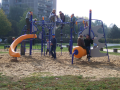 Stavba dětských hřišť, vybavení pro dětská hřiště, houpačky a dal