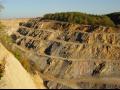 Kamenolomy, těžba a dodávka stavebního kameniva, štěrkopísku, písku i chemického vápence