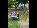 Závěsná houpačka hnízdo pro relaxaci i odpočinek