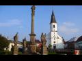 Město Osečná  v Libereckém kraji, Lázně Kundratice, Čertova zeď, Sousoší Tří svatých, kostel
