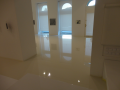 Realizace litých podlah - odolné epoxidové stěrky do skladů, výstavních hal, kanceláří i autoservisů