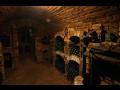 Příjemné posezení a  řízené degustace vína ve vinném sklepě – výběr až ...