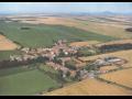 Krásná obec Poštovice ve Středočeském kraji