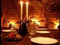 Moravský vinný sklep a vinárna s posezením a pohoštěním