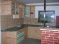 Výroba kuchyně na míru vestavěné skříně nábytek truhlář Hradec