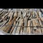 Dovozce balkánské ruly dodává štípaný obkladový kámen, valouny