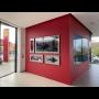 Skleněná stěna pro reprezentativní prostředí autosalonu Ferrari Praha | ACERA SKLO