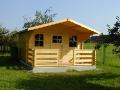 Montované dřevostavby panelových nebo srubových konstrukcí.