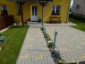 Kompletní realizace zahrad Liberec Jablonec zámková dlažba montáž ploty plotů příjezdové cesty terasy Liberec Jablonec