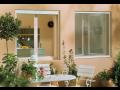 Sítě proti hmyzu do každého okna a dveří