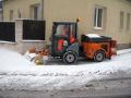 Zimní údržba komunikací, chodníků a areálů