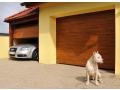 Garážová vrata s elektrickým pohonem