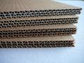 Skládaný karton, lepenkové proklady, lepenka dvouvrstvá vlnitá, v rolích