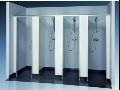 Sanitární příčky od RVR jsou ideálním řešením společných sprch či toalet