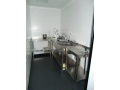 Nerezová výroba nábytku pro velkokapacitní kuchyně
