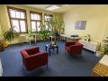 Pron�jem kancel��� v  pam�tkov� chr�n�n�m dom� na Praze 1