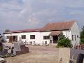 výroba, vyrovnávání pomníku Znojmo