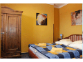 Připravený pokoj s manželskou postelí
