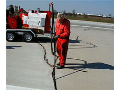 Opravy a zalévání spár,  cest, silnic a dálnic - údržba asfaltovo-betonových povrchů