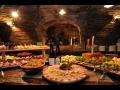 Degustac� v�n ve vinn�m sklep� ve Valtic�ch