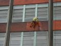 Práca vo výškach - čistenie fasád, montáže aj nátery konštrukcií Zlín