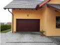 Sekční garážová vrata mají perfektní uživatelské vlastnosti.