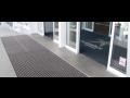 Vstupní rohož se hodí před banku, úřad i školu