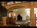 Stylov� restaurace s centr�ln�m krbem-bowling, denn� menu ve Zl�n�