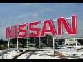 světelná reklama Nissan