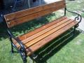 dřevěná lavička