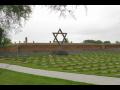 Pam�tn�k Terez�n uchov�v� pam�tku ob�t� nacismu.