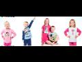 Kinderkleidung mit gezeichneten Helden erfreuen Jungen und Mädchen Prag,  die Tschechische Republik