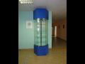 Otočné skleněné vitríny, výroba a montáž | Praha